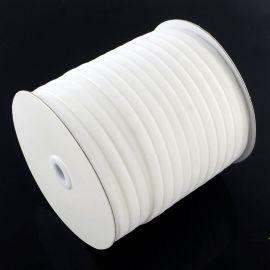 Vienpusė velvetinė juostelė, baltos spalvos 6 mm, 1 metras