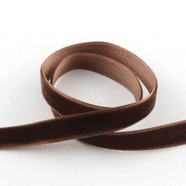 Лента бархатная односторонняя коричневая 9 мм, 1 метр