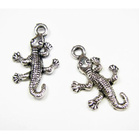 "Pendant ""Lizard"" aged silver color"