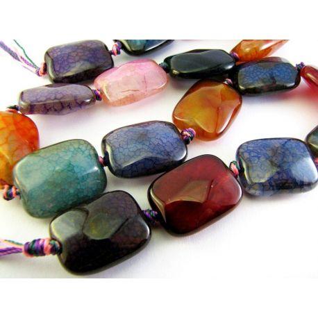 Įvairių spalvų agato karoliukų gija kaklo papuošimui 18 vnt.