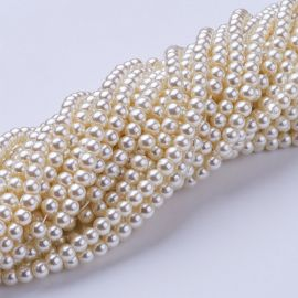 Glass pearls 4 mm., 1 strand