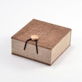 Деревянная подарочная коробка для браслета, коричневая 104х100 мм, 1 шт.