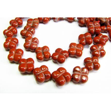 Raudonojo akmens karoliukai, raudonai rudos spalvos, gėlytės formos, 10 mm