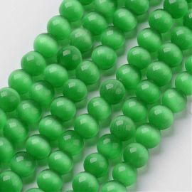 Beads of the cat's eye. Green size 8 mm