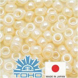 TOHO® Biseris Ceylon Lt Ivory 11/0 (2.2 mm) 10 g.