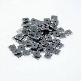 Гематит синтетический 6х6х1 мм. ~ 100 шт., 1 пакет серебристого цвета
