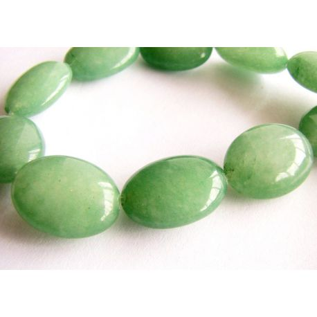 Emeraldo karoliukai žalios spalvos ovalo formos 13x18mm