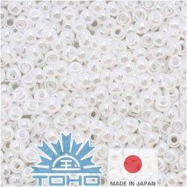 TOHO® seemnehelmed Tseiloni lumehelves 11/0 (2,2 mm) 10 g.