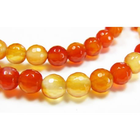 Karneolio karoliukai, rudai oranžinės spalvos, apvalios formos, briaunuoti 6 mm