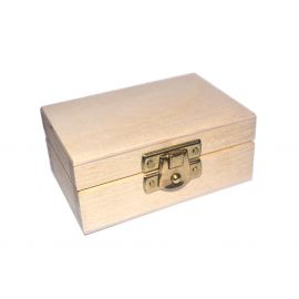 Wooden box with clasp 8,5x5,5x4 cm 1 pc.