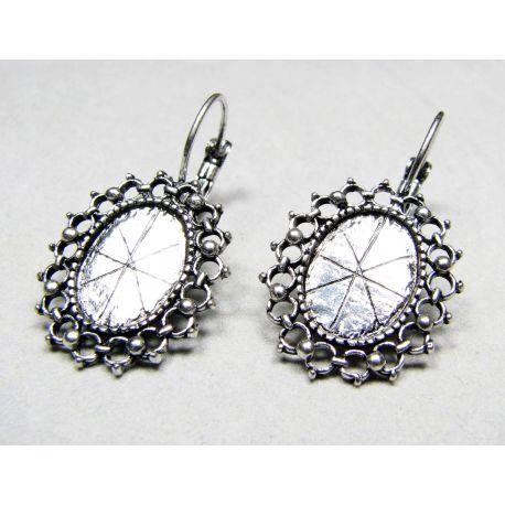 Kabliukai skirti auskarų gamybai, sendintos sidabro spalvos 32x20 mm