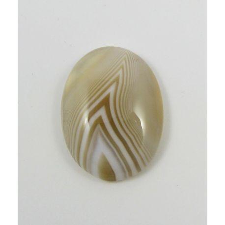 Agato kabošonas, smėlio spalvos, ovalo formos 26x19x5 mm