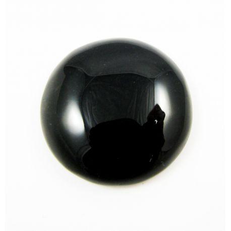 Oonükskivist caboshion, must, ümar kuju