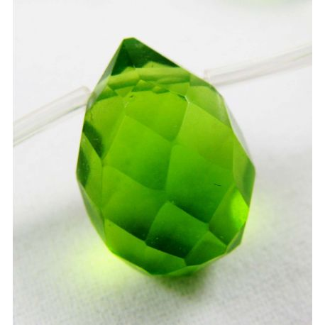 Synthetic emerald beads green, drop shape 16x12 mm