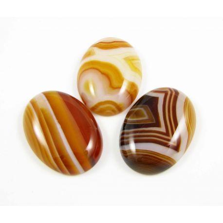 Agato kabošonas, ovalo formos, rudai oranžinės spalvos 28x15 mm