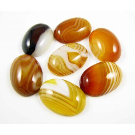Agato kabošonas, ovalo formos, rudai oranžinės spalvos 18x13 mm