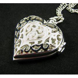 """Kišeninis laikrodis """"Širdelė"""", sidabro spalvos su grandinėle 40x40 mm"""