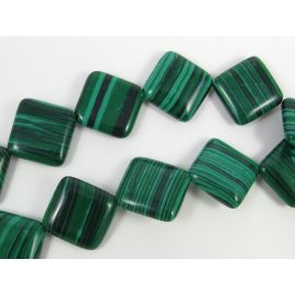 Synthetic malachite beads in the form of a green diamond, 18 mm