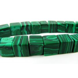 Synthetic malachite beads in the form of a green square, 8 mm