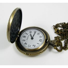 """Pocket clock """"Skull"""", aged bronze with chain 49x37 mm"""