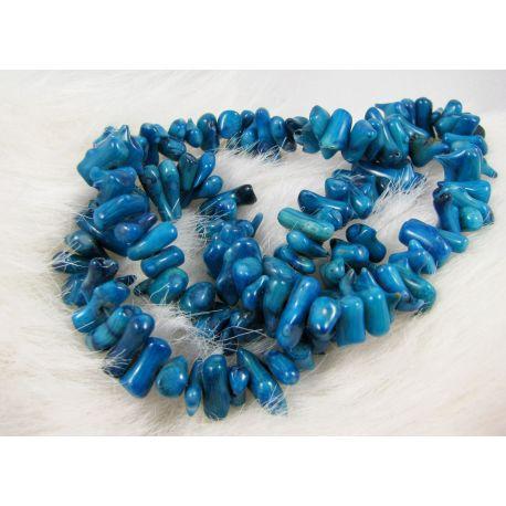Natūralaus koralo skaldos gija, mėlynos spalvos, dydis 8-17x2-5mm ilgis apie 41 cm