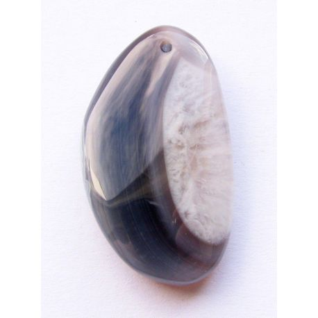 Bostvanos agato pakabukas melsvos - pilkos spalvos pusmėnulio formos 34x19x7mm