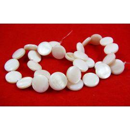 Perlų masės karoliukų gija, baltos spalvos, monetos formos,12 mm