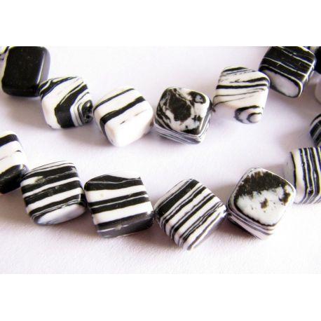 Houlito karoliukai baltos juodos spalvos dryžuoti rombo formos 8x8mm