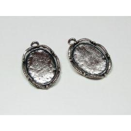 Rėmelis - kabošonui ar kamėjai sendintos sidabro spalvos, ovalo formos 26x17 mm