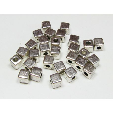 Insert silver color, cube shape, size 4x4 mm, 10 pcs