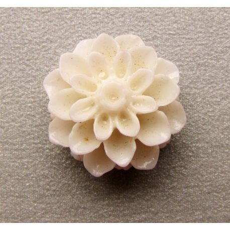 Kama - flower white round shape 16x8mm