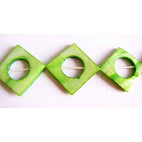 Perlų masės karoliukų gija žalios spalvos rombo formos 20mm gijoje 10vnt