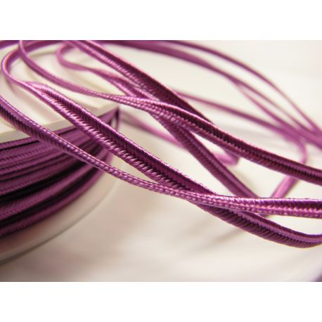 Sutažo juostelė Pega A1602 purpurinės spalvos 3 mm pločio 100% viskozė Kilmės šalis Čekija