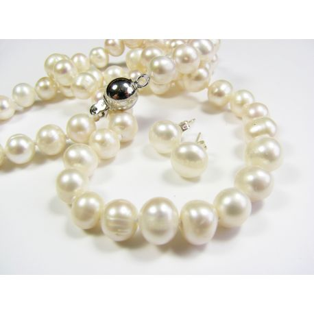 Freshwater pearl necklaces with earrings, white